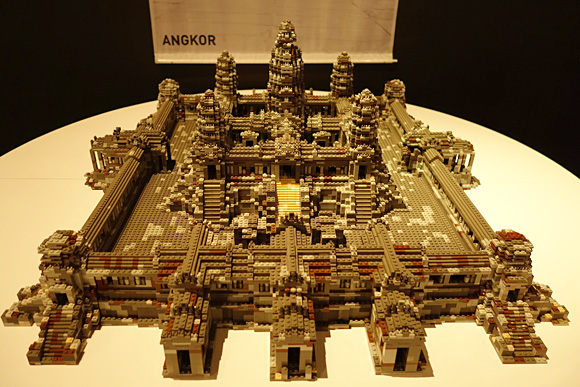 カンボジアのアンコールのレゴ