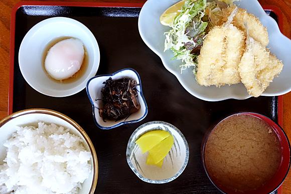 岩舟荘別館のキスフライ定食