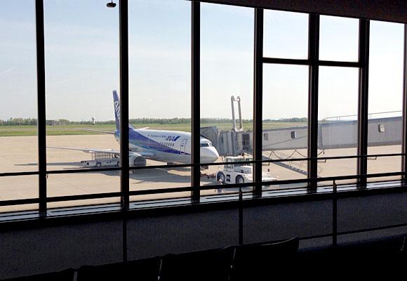 新潟から成田空港は飛行機が早くて安い!